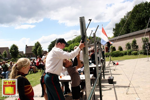 Koningschieten Sint Theobaldusgilde overloon 01-07-2012 (40).JPG