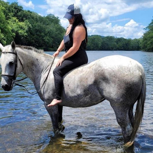 Taylor Lopez Photo 3