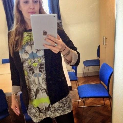 #photoamay-challenge-instagram-ootd-outfit-missselfridge-monochrome-dress-neon