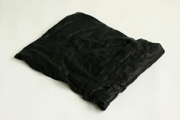 SACCA L: black