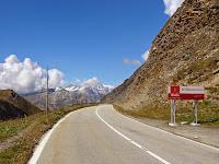 Début de la descente côté Ouest, entrée dans le canton du Valais