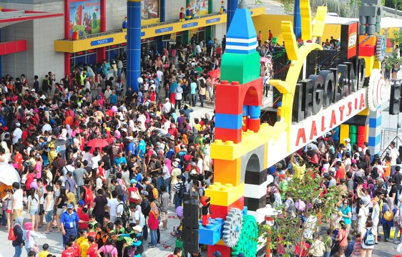 GAMBAR PERASMIAN LEGOLAND MALAYSIA