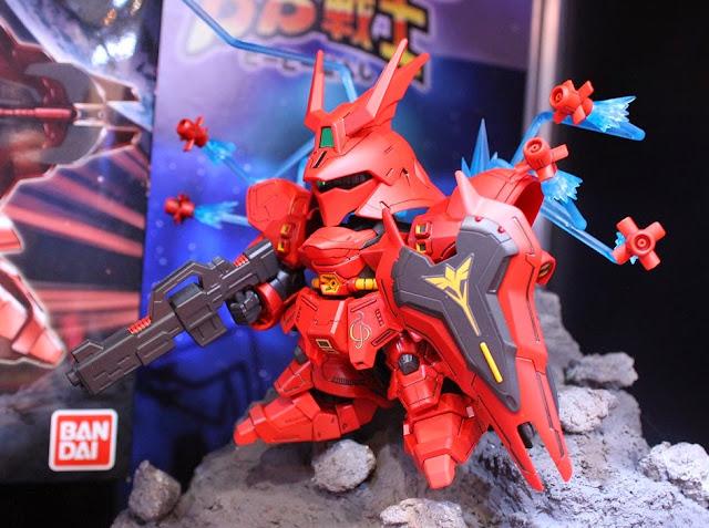 Cùng MSN-04 Sazabi SD Gundam BB 382 diễn lại những cảnh chiến đấu hết sức thú vị và độc đáo