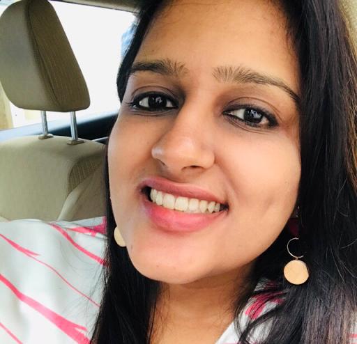 Shivani Pandey Photo 6