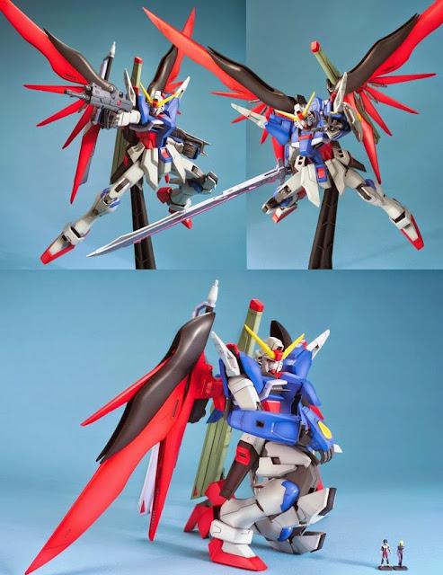 Destiny Gundam MG 1/100 cho phép tái tạo bất kỳ cảnh nào của trận chiến