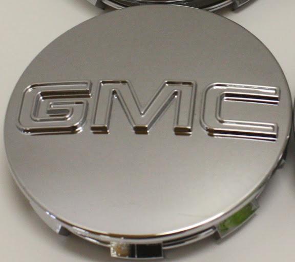 GMC Sierra Yukon Denali Center Caps 9595759 3 1 4 in Fits 18 20 22 in Wheels