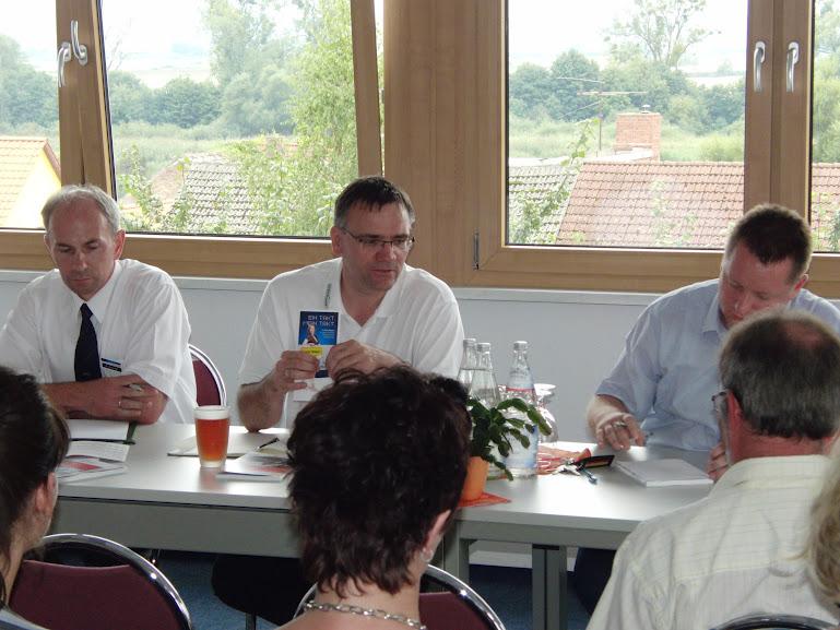 Lars Böhme (Mitte) bei einer Veranstaltung in Gartz (Bild Archiv)