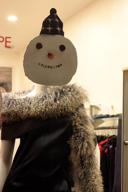 Манекен-снеговик