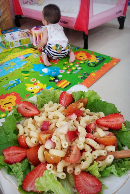 strawberry macaroni pasta salad ServicefromHeart