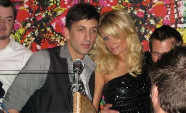 Paris Hilton Parties (hot-1photos)1