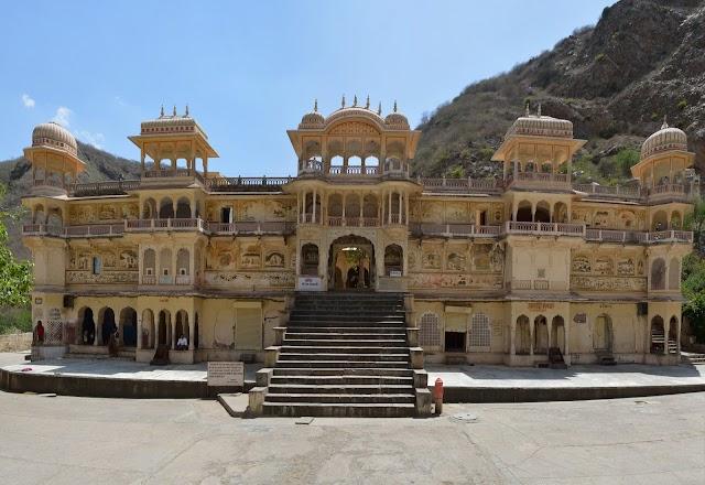 Galta (Monkey Temple)