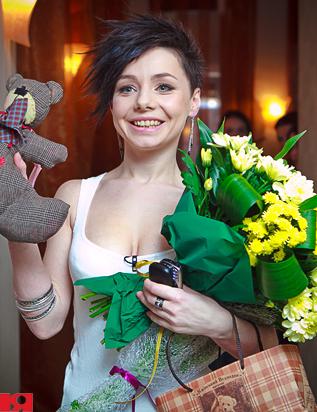 Наташа Гордиенко отпраздновала подписание контракта с Universal Music