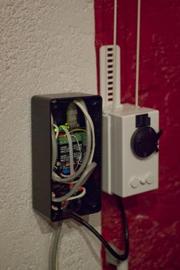 Pilotez les rideaux d 39 une maison avec arduino - Porte automatique poulailler occasion ...