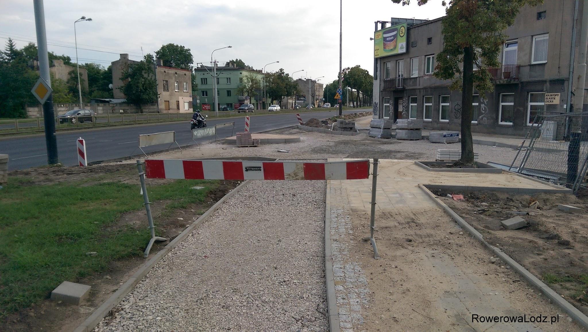 Skrzyżowanie z ul. Leszczową