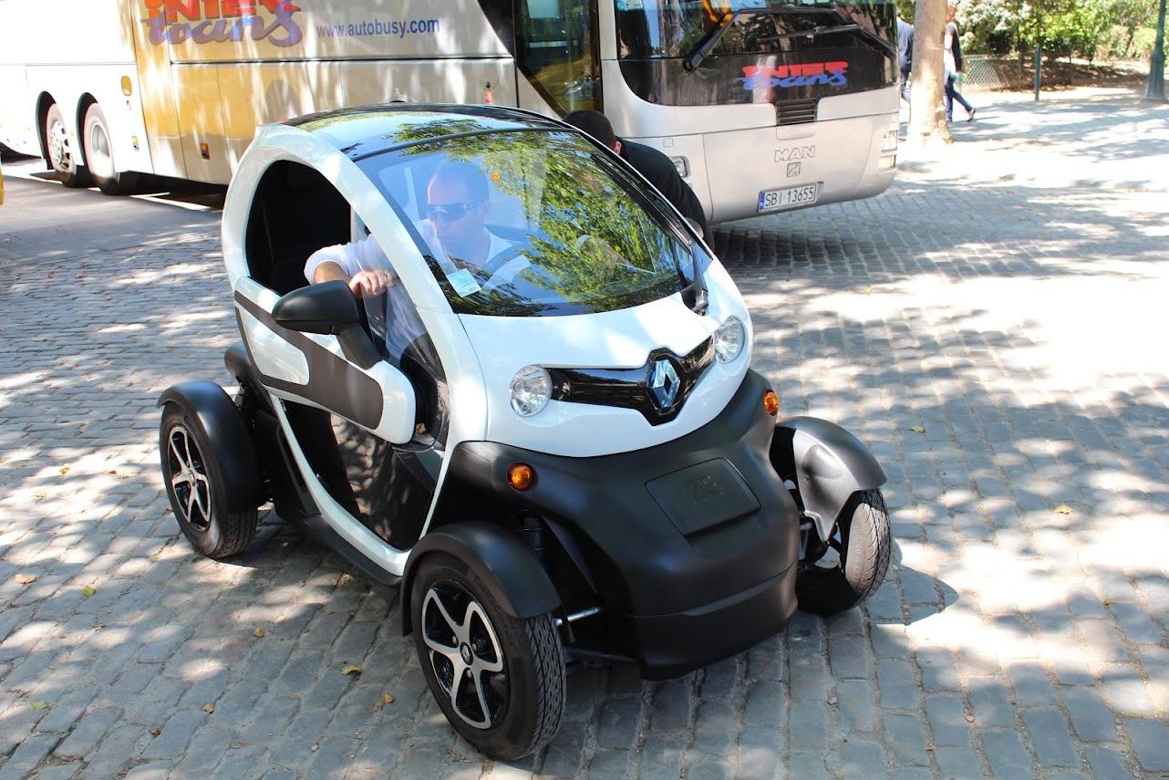 Carros elétricos em Paris
