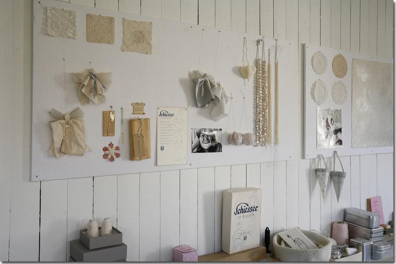 Voglia di sole shabby chic interiors for Boiserie in legno ikea
