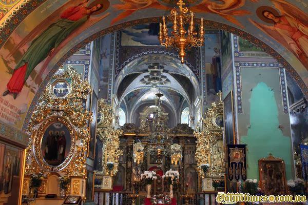Внутрішніх фрески Межиріцького Свято-Троїцького храму