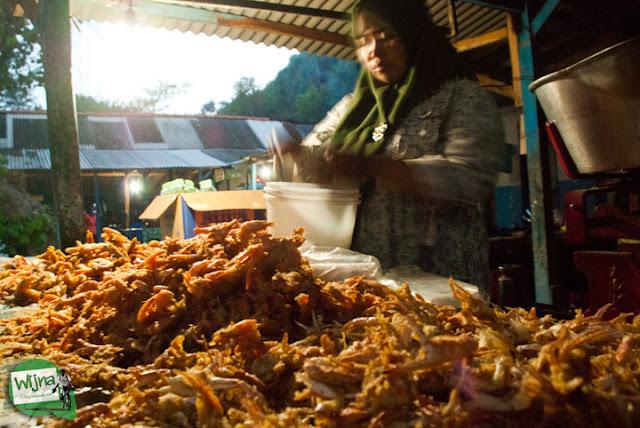 Jual aneka jajanan laut murah meriah khas asli Jogja Yogyakarta harga grosir