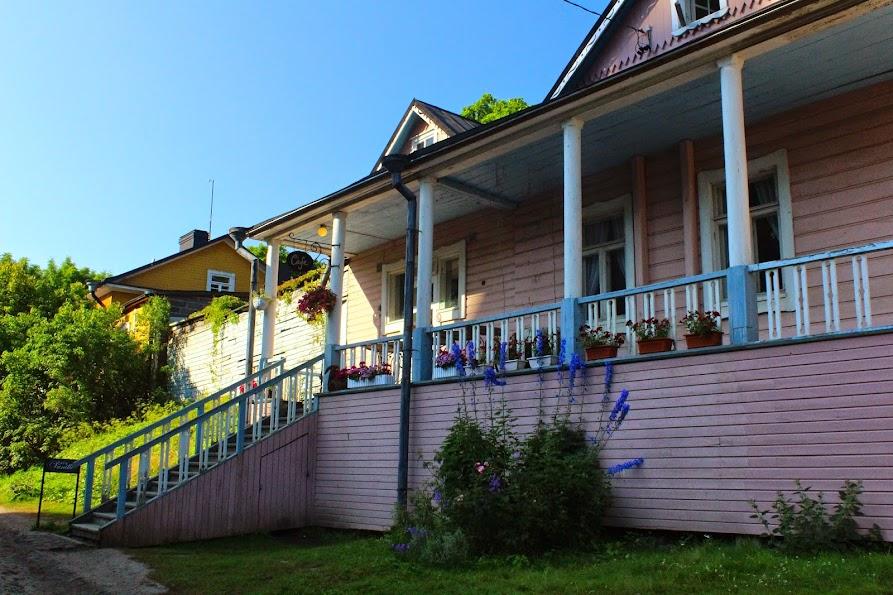 suomenlinna wooden houses