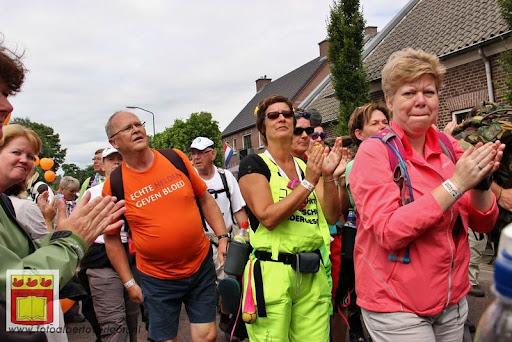 Vierdaagse van Nijmegen door Cuijk 20-07-2012 (58).JPG