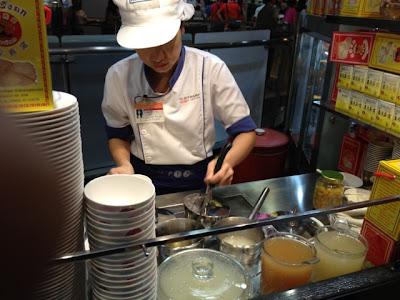 Bangkok, Platinum Mall food court, bird's nest stall
