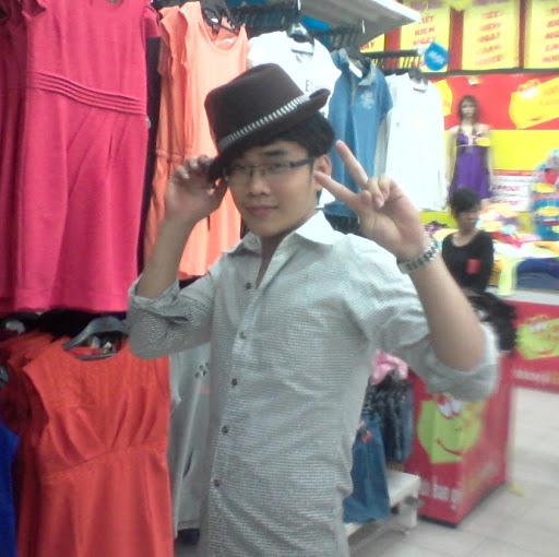 Quyen Ha Photo 16