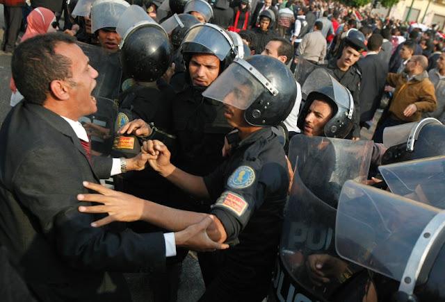 Egyptian Revolution شريف الحكيم Image-173465-galleryV9-sxec