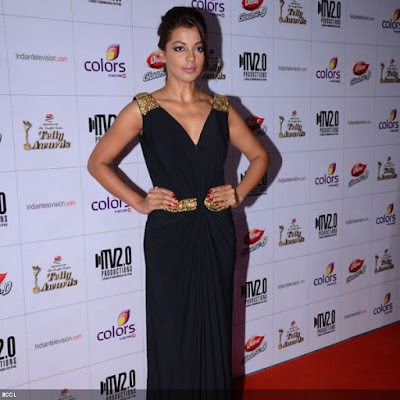 Mugdha Godse poses for lensmen during the 12th Annual Indian Telly Awards, held in Mumbai.