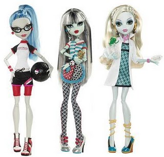 Classroom Playset: Ghoulia Yelps, Frankie Stein y Lagoona Blue