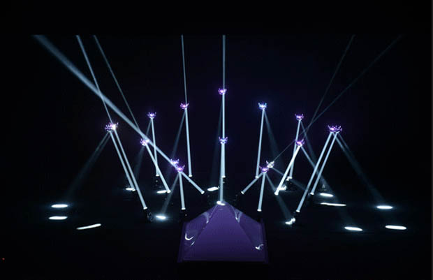 'Meet Your Creator' Robot Lightshow