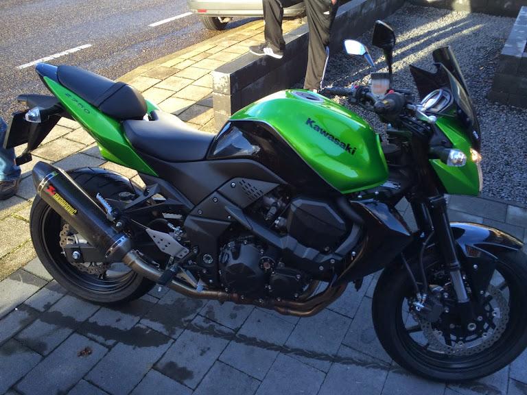 Kawasaki Z1000 - Z750 [s][r] plaza deel 70 - Naked bikes