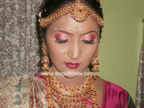 Mehndi Makeup In : Thamanah boutique wedding make up and mehndi