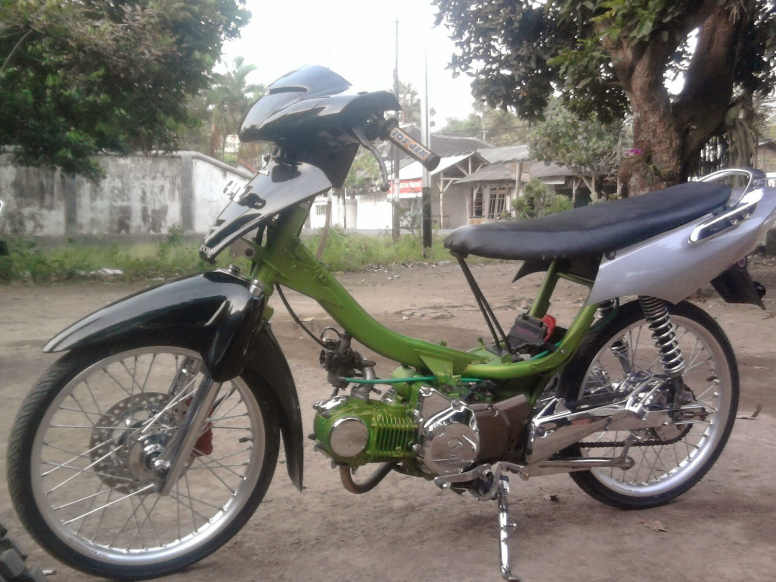 Modifikasi Honda Karisma Drag