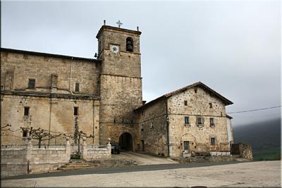 Iglesia de Nuestra Señora de la Asunción, Kontrasta