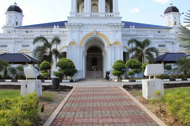 Masjid-Sultan-Abu-Bakar-Mosque