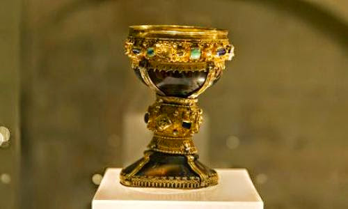 Crowds Flock To Spanish Church After Holy Grail Claim