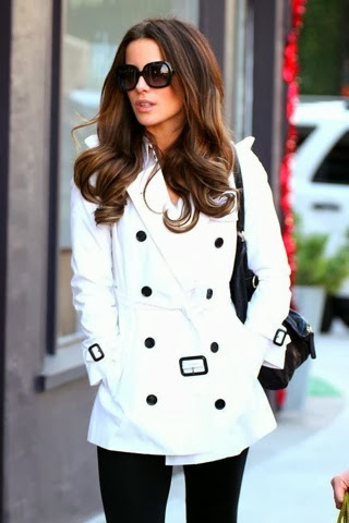 Adorable white trench coat with black leggings and handbag for fall