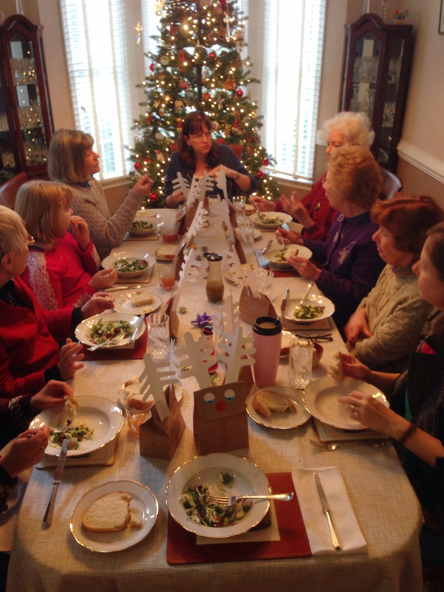 Night Before Christmas Gift Exchange Story | Christmaswalls.co