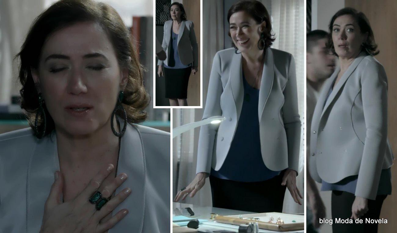 moda da novela Império - look da Maria Marta com blazer de neoprene dia 16 de setembro