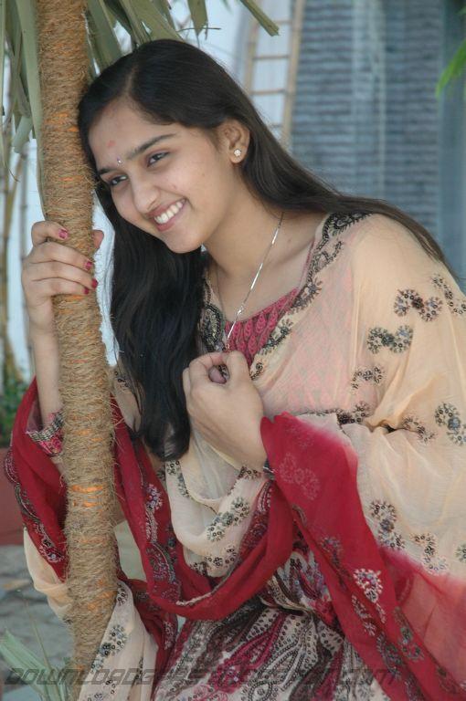 https://lh6.googleusercontent.com/-9dfU9Jt-Y-g/TYgRDWsYRGI/AAAAAAAAK28/dfwCuf5iisw/s1600/Sanusha+Cute+Pics_11.jpg