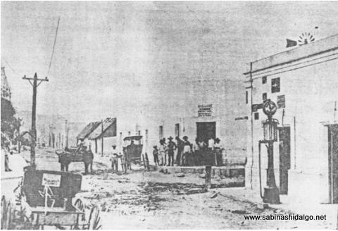 Antigua imagen de la esquina de las calles Mina y Juárez en Sabinas Hidalgo