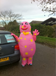 Team-Honk-relay-Pink-Oddy-Mr-Blobby-365