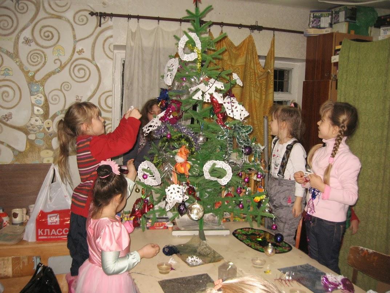 новогодняя елка в керамической студии 25 декабря