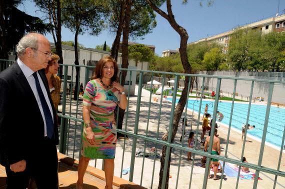 Abierta la piscina municipal de verano del barrio de la Concepción