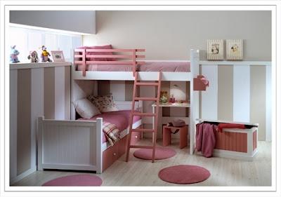 camas cruzadas en ele blanco y rosa