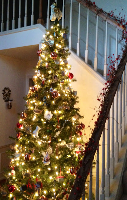 life in my empty nest: Welcoming Christmas Foyer