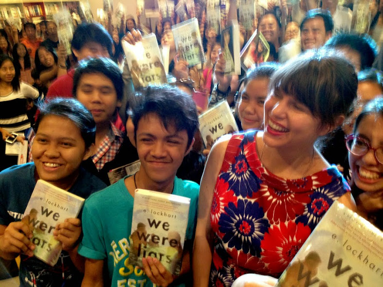 E. Lockhart with her fans during the book signing event in Manila