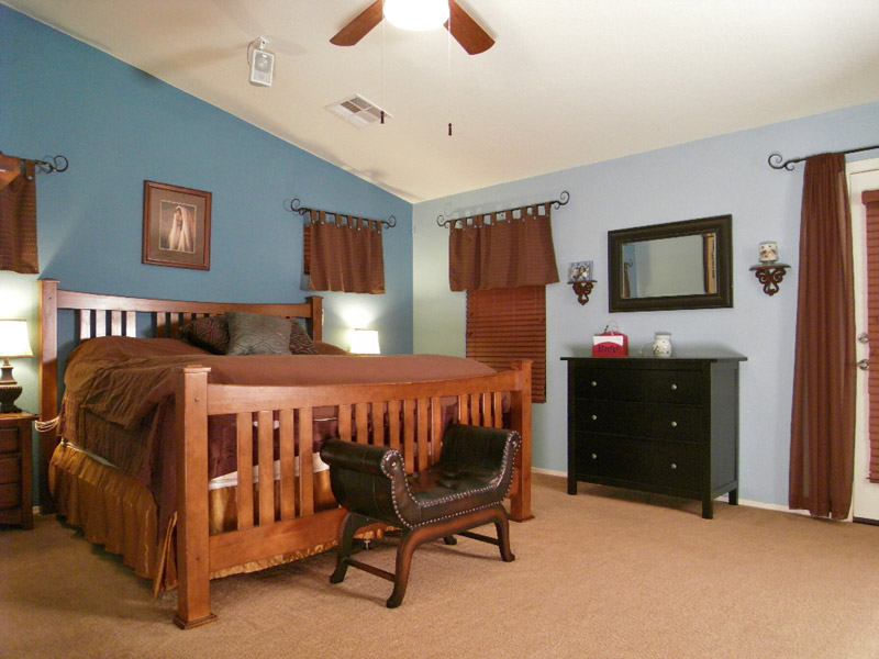 Maricopa AZ real estate for sale: view of master bedroom including vaulted ceiling