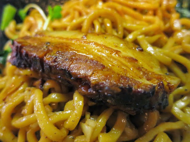 チャーシュー。沖縄料理ラフテーのような角煮