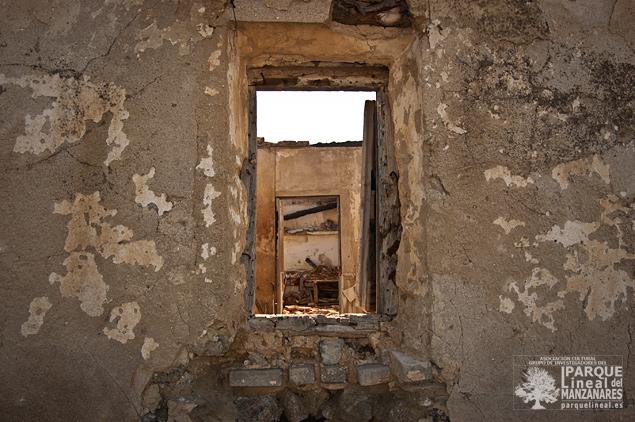 Viviendas anexas a las cuevas como producto de una reutilización del siglo pasado.